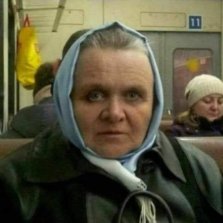 Anthony Hopkins spotted on public transport