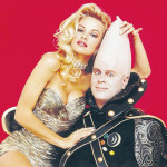 Pam Anderson and Dan Aykroyd posing for the cover of Playboy - Aug 1993
