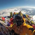 The peak of Mount Everest is full of trash
