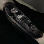 Hyperrealistic tattoo
