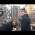 Tom Hardy playing the spoon prank on his stunt double (from the series TABOO)