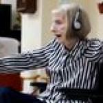 Ballerina with Alzheimer's hears Swan Lake, .that's so fucking beautiful
