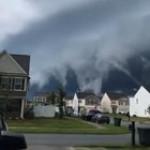 Clouds look like incoming tsunami