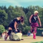 Leigh Holland-Keen lifting cumulative weight of 733 Lbs (322.5 kg)