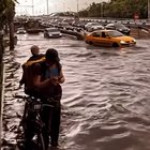 Saving drivers pass through the flooding