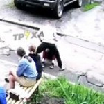 In Kharkov, they caught a thug who beat his girlfriend right on the street