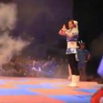 Cosplayer reenacts Chun Li's move-set on expo event