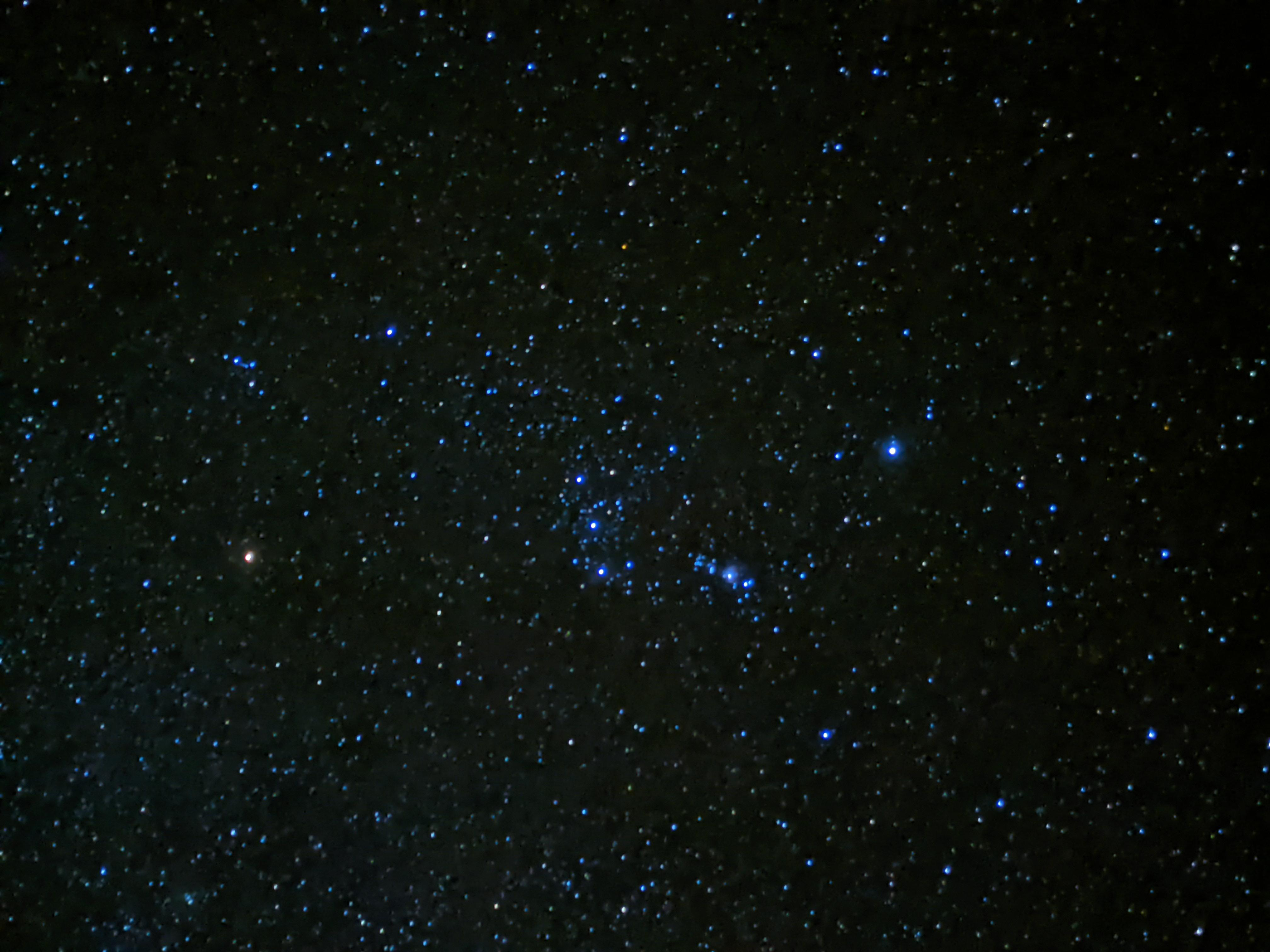 Untracked Orion with Pixel 5 astrophotography mode from near equator