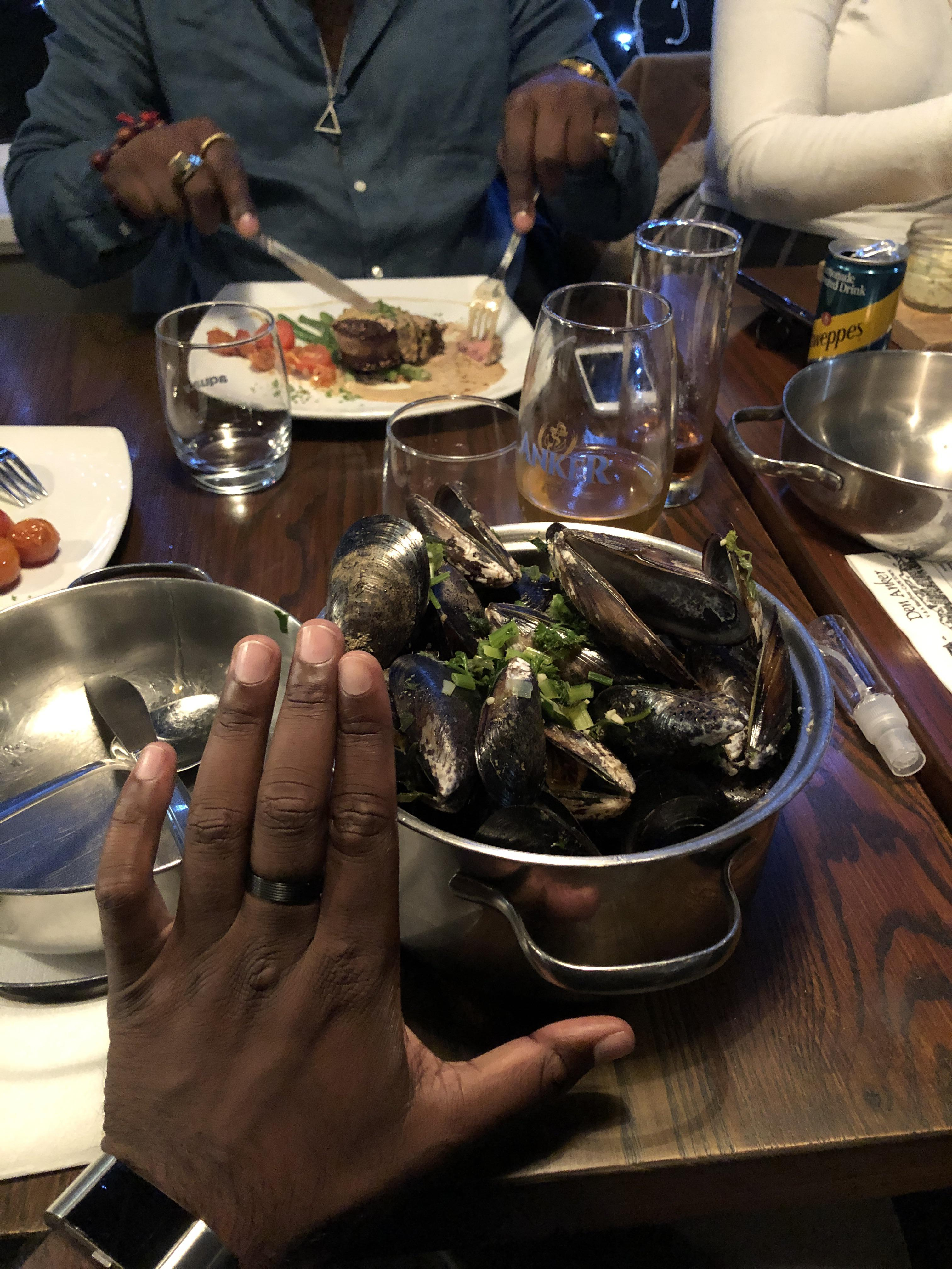 1kg of Belgian style mussels to myself for dinner. Hand for scale. The beer was pretty good too