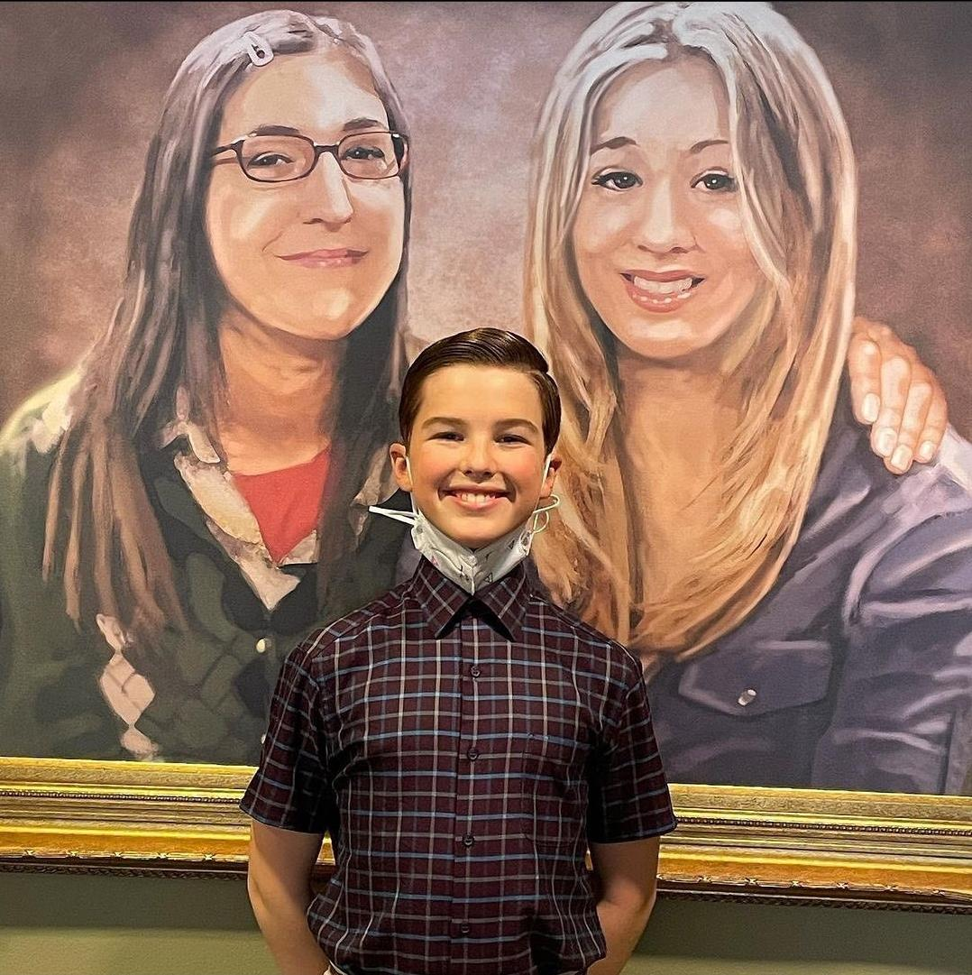 Young Sheldon with the legendary painting