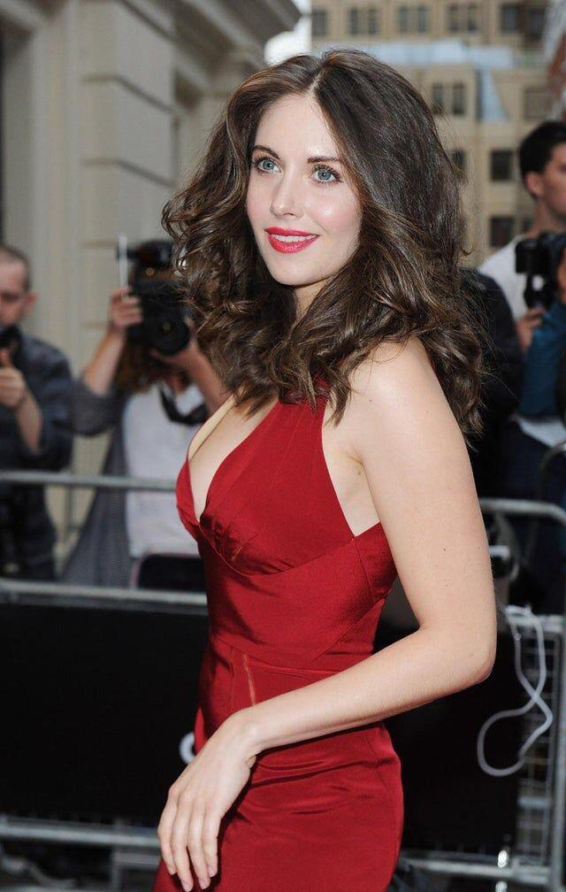 Alison Brie- Red Hot!