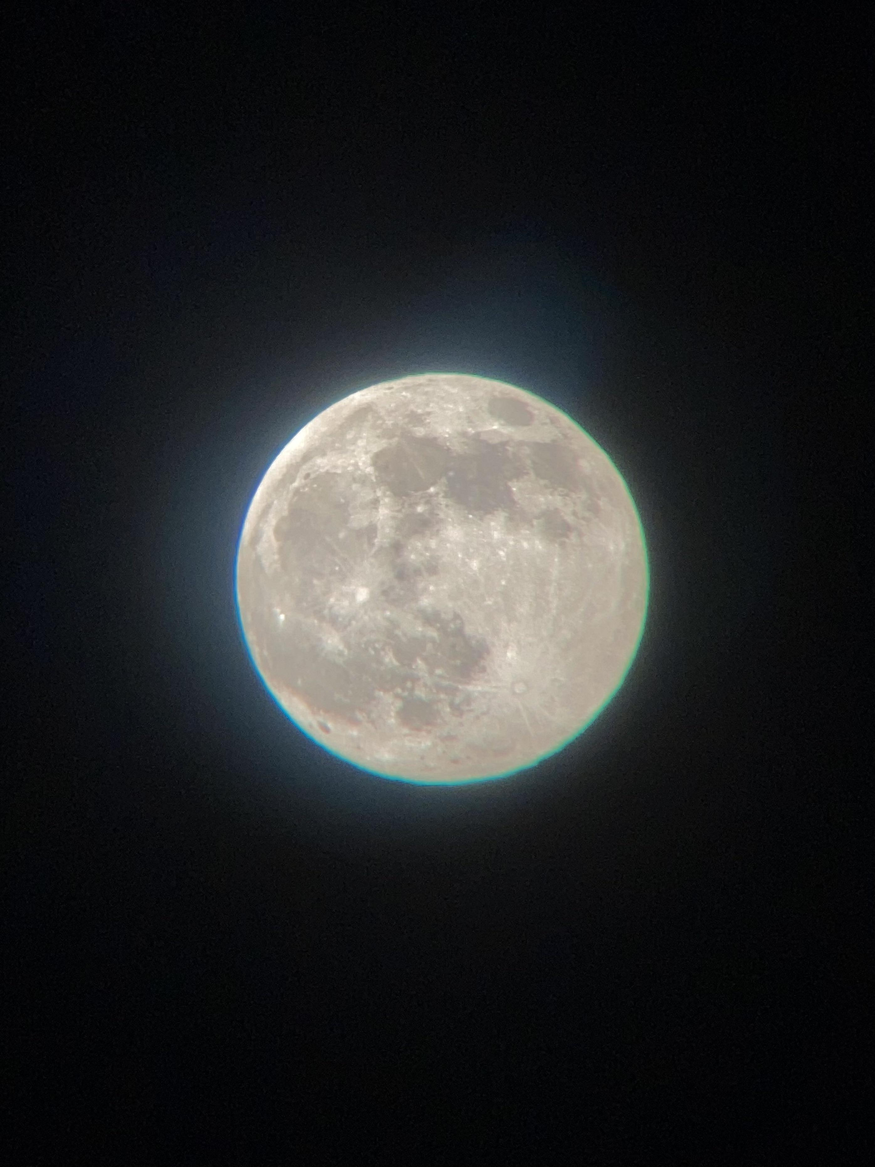 The best picture of the moon I (15F) have taken so far! - 26.04.21