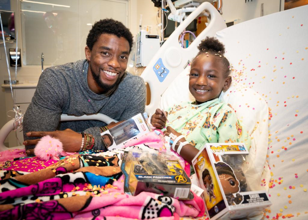 Black Panther Chadwick Boseman visiting and making the absolute day of cancer-stricken kids in the hospital in 2018, all the while quietly battling the same disease 🥰