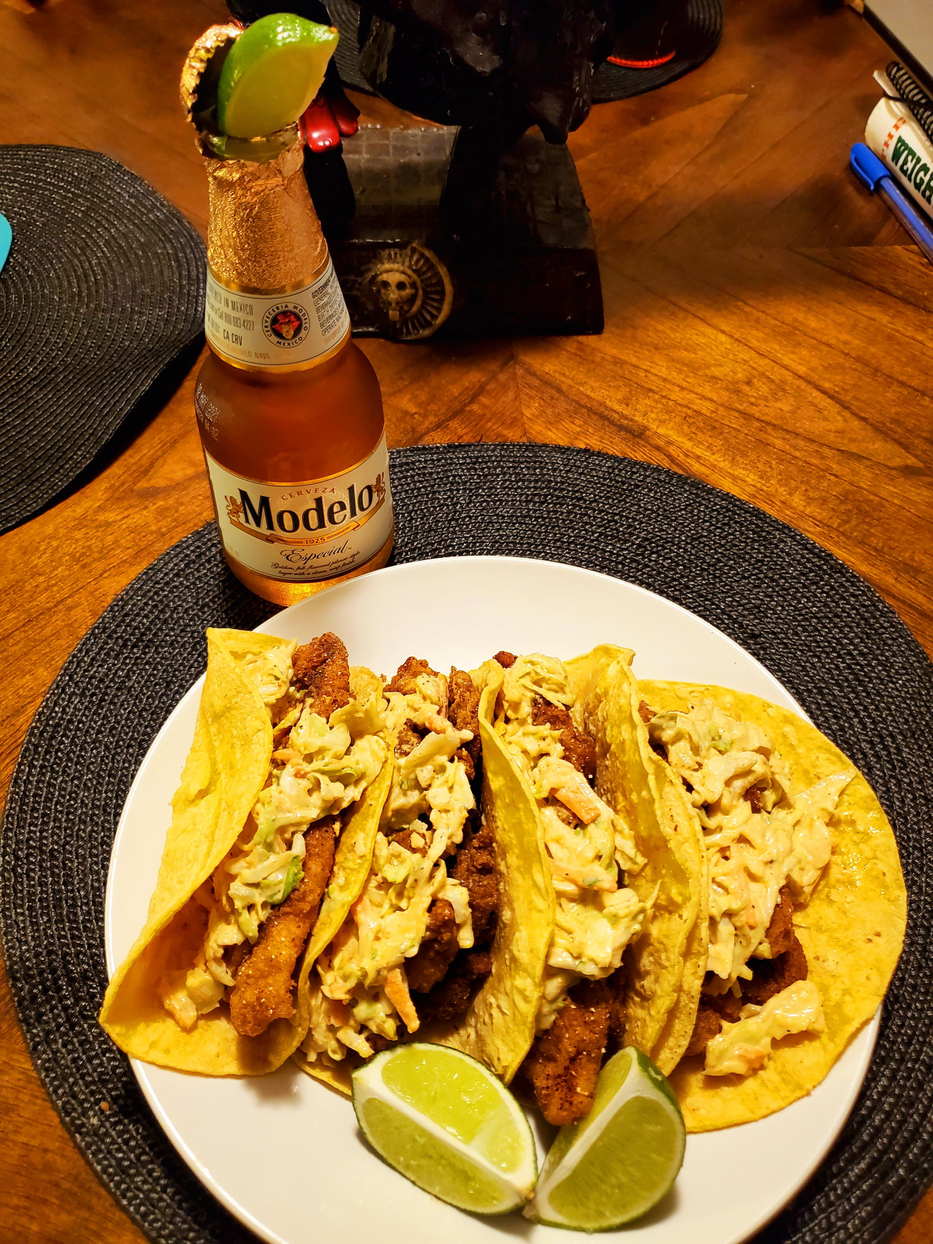 My wife said call me 5 minutes before I get home. Ok? I walk in and and this is prepped on the table waiting for me. Homemade fish and shrimp tacos 🤤