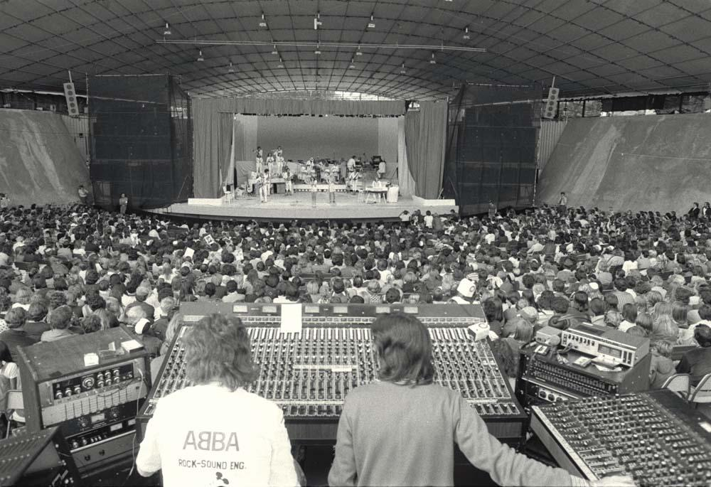 ABBA in concert, 1977